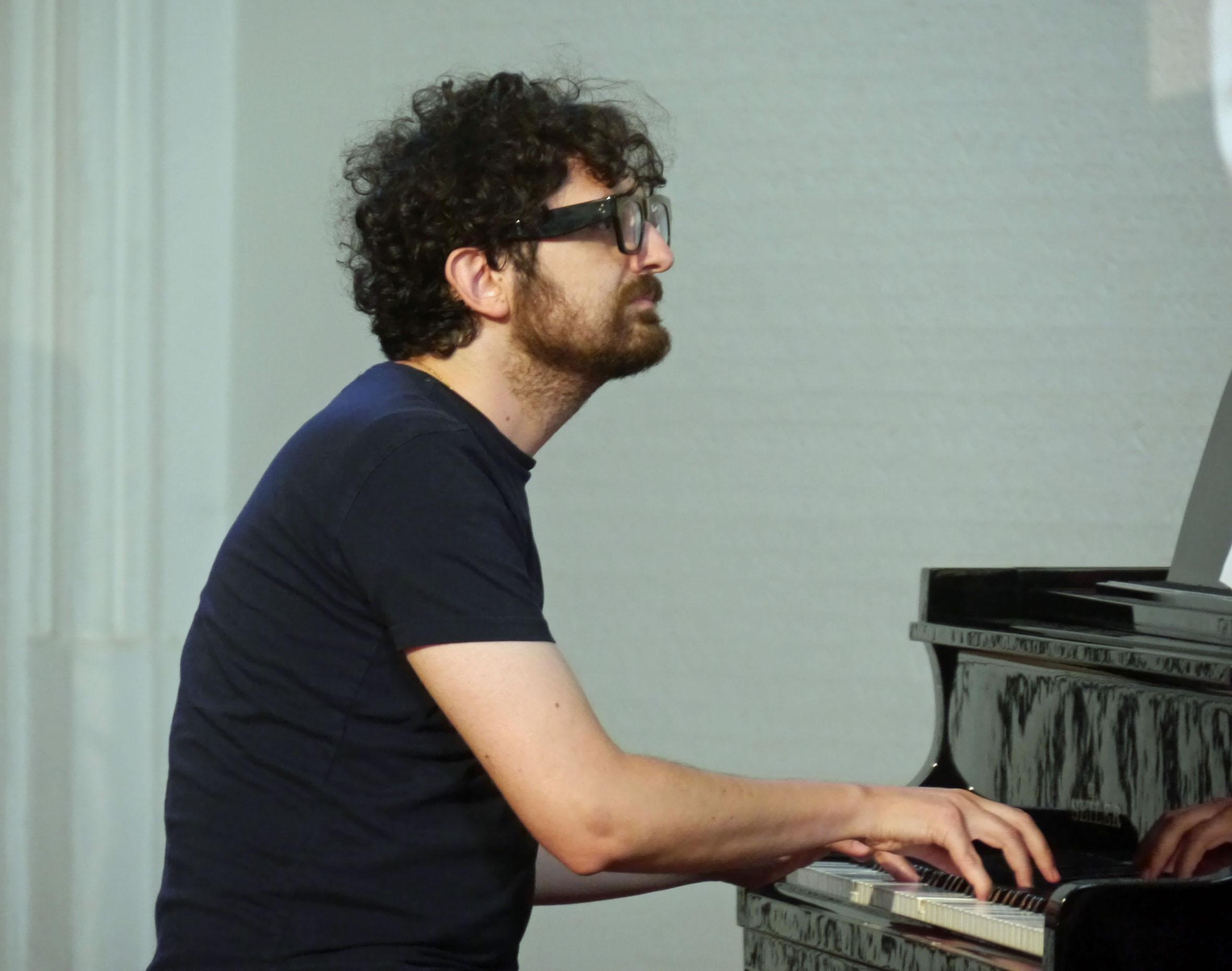 am Klavier Ilias Kyriozis